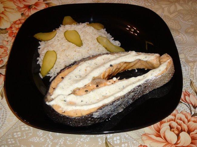 Стейки семги в мультиварке с соусом тартар